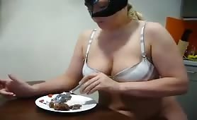 Blonde mature woman eating her own shit