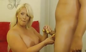 MILF BLONDE FUCKS ON CAM-Part2